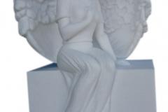 015 Rzezba aniolka z bialego marmuru Thassos, Niemcy