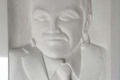 017 Plaskorzezba portretowa z marmuru greckiego Thassos, Tarnowskie Gory