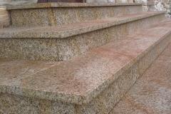 30 Schody z granitu zewnetrzne