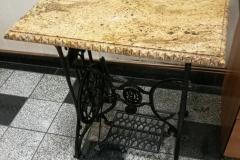 04 stol granitowy - maszyna do szycia z kamiennym blatem, Pszczyna