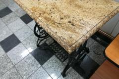 06 stol granitowy - maszyna do szycia z kamiennym blatem, Pszczyna