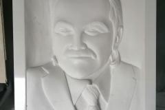 174 Gotowy portret w formie plaskorzezby