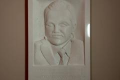 176 Gotowy portret z bialego mamruru Thassos