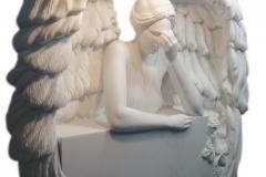 61 Gotowa rzezba aniola