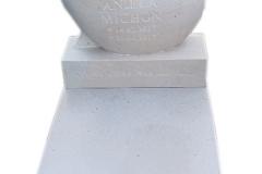 073 nagrobek dzieciecy bialy z piaskowca, kujawsko-pomorskie