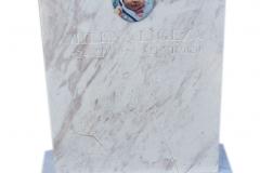 172 Nagrobek bialy, urnowy dla dziecka z marmuru wloskiego Calacatta, Osiek, woj.slaskie
