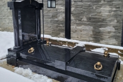 49 Grobowiec rodzinny z czarnego granitu szwedzkiego, Ustron