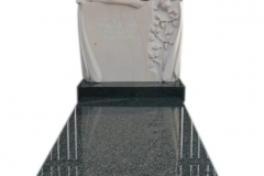 43 Nagrobek, grobowiec granitowy wraz z rzezba aniola z piaskowca, Tarnowskie Gory