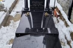 90 Pomnik z czarnego granitu szwedzkiego na piwnicy grobowcowej, Ustron