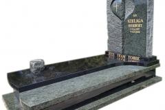 99 Nagrobek granitowy z rzezbiona tablicą na grobowiec, Janowice woj.slaskie