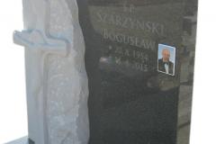 078_pomnik_nowoczeny_-_tablica_nagrobna_z_piaskowca_i_granitu