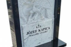 092 Tablica nagrobna z rzezba z marmuru, Frydek k.Pszczyna