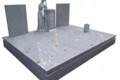 159 Pomnik nowoczesny z jasnego granitu z rzezba kobiety, Gubin