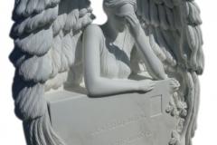 193 Rzezba aniola w skrzydlach z marmuru Thassos - pomniki nowoczesne, Katowice