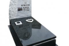 257 Pomnik nowoczesny z czarnego granitu wraz z tablica z marmuru, witrazem i krzyzem, Zywiec