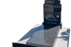 264 Nagrobek nowoczesny z ciemnego granitu na grobowcu, Wierzchlas k. Wielunia