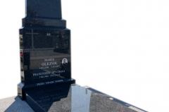 265 Nagrobek nowoczesny z ciemnego granitu na grobowcu, Wierzchlas k. Wielunia
