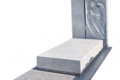 266 Nagrobek nowoczesny z marmuru wraz z plaskorzezba aniola oraz szklanym krzyzem, Pinczata woj.kujawsko-pomorskie