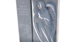 267 Nagrobek nowoczesny z marmuru wraz z plaskorzezba aniola oraz szklanym krzyzem, Pinczata woj.kujawsko-pomorskie