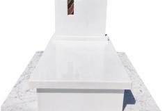 273 Nagrobek nowoczesny dzieciecy z witrazem z bialego marmuru Thassos wraz z polaczeniem plyty z marmuru Carrara, Bielsko-Biala