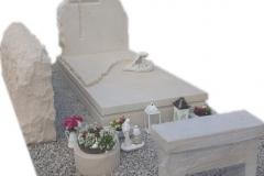278 Pomnik nowoczesny z piaskowca wraz z rzezba aniolka, ławeczka, obeliskiem, Karkow