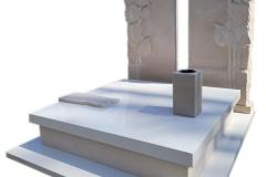 390 Pomnik nowoczesny z jasnego konglomeratu kwarcowego wraz z plaskorzezba slonecznikow z piaskowca na tablicach nagrobnych, Gliwice