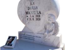 441 Rzezba serca i aniolka z marmuru Calacatta na pomniczek nowoczesny dzieciecy,rzezbiarz Janusz Moroń, Chorzow