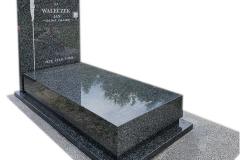 447 Pomnik nowoczesny granitowy wraz z zarysem Jezusa na krzyzu w tablicy, Pszczyna