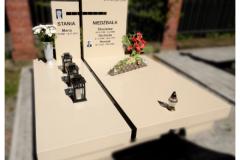 10 Nagrobek podwojny z kwarcytu - grobowiec, Pszczyna