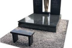 36 Pomnik podwojny z czarnego granitu, Katowice
