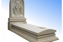 022 Pomniki pojedyncze - pomnik z piaskowca z Maryja, krzyzem oraz z symbolem wiary, nadzei i milosci, Sosnowiec
