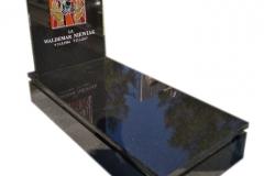 059 Pomnik nowoczesny z czarnego granitu z witrazem - nagrobki nowoczesne, Tychy