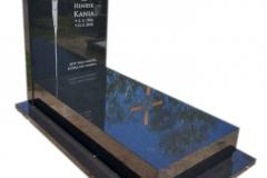 095 Pomnik pojedynczy z czarnego granitu, Czarkow k.Pszczyna, rzezbiarz Janusz Moroń