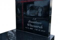 111 Tablica nagrobna ze szklanym krzyzem witrazowym oraz rycina pod pomnik pojedynczy, Rydultowy