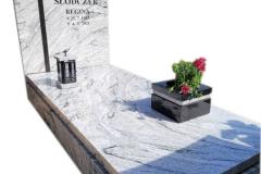 187 Pomnik pojedynczy jasny, granitowy z krzyzem w tablicy, Pszczyna