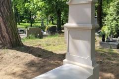 195 Pomnik pojedynczy z piaskowca w formie kapliczki, Kolo woj.wielkopolskie