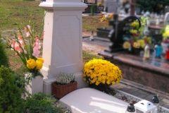 072 Pomnik jasny, pojedynczy z piaskowca - Checiny