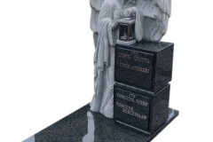 55 Nagrobek urnowy z granitu wraz z rzezba aniola, Bochnia k.Krakowa