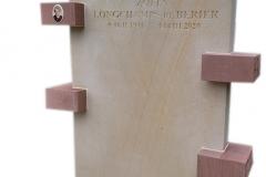 79 Pomnik urnowy z jasnego oraz czerwonego piaskowca, Gliwice