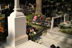 077 Pomnik, grobowiec biały z piaskowca wraz z krzyzem, Pszczyna