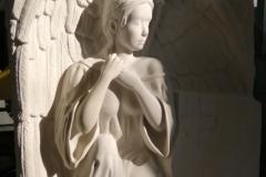 121 Plaskorzezba aniola z piaskowca - nagrobki z piaskowca, Ruda Slaska, rzezbiarz Janusz Moroń