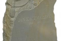 138 Rzezba z piaskowca pod nagrobek - kapelusz goralski, rzezbiarz Janusz Moroń