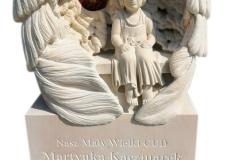 147 Nagrobek dla dziecka wraz z rzezba dziewczynki wykonana w piaskowcu, Rybnik
