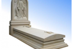 005 Nagrobek z rzezba - pomnik z piaskowca z Maryja, krzyzem oraz z symbolem wiary, nadzei i milosci, Sosnowiec