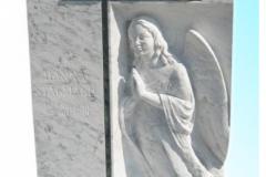 047 Tablica nagrobna z marmuru ze szklanym krzyzem i plaskorzezba - nagrobki nowoczesne, Miedzna k. Pszczyny