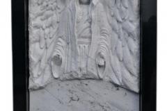 065 Rzezba z marmuru - pomnik z rzezba, Bierun, rzezbiarz Janusz Moroń