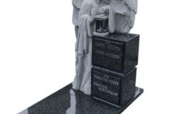 193 Nagrobek z pelnoplastyczna rzezba aniola z granitu, Bochnia k.Krakowa