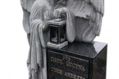 196 Nagrobek z pelnoplastyczna rzezba aniola z granitu, Bochnia k.Krakowa