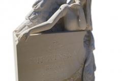 215 Rzezba pelnoplastyczna aniola z piaskowca na nagrobek z konglomeratu kwarcowego jasnego, rzezbiarz Janusz Moroń, Ruda Slaska, woj.slaskie