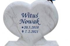 219 Tablica z rzezba serca z marmuru oraz motylem witrazowym na nagrobek, Glebowice, woj. slaskie